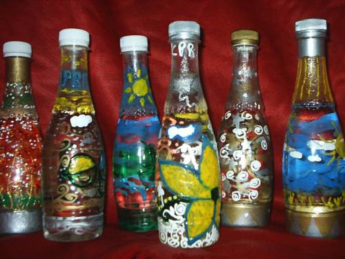 Melukis di atas botol